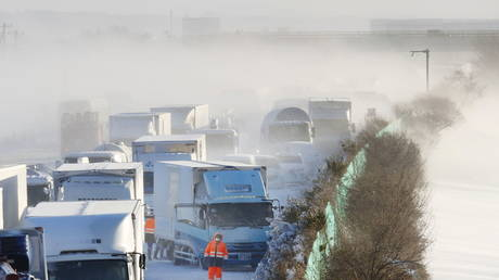 Heavy snow causes deadly pileup involving more than 130 cars on Japanese expressway (VIDEO)