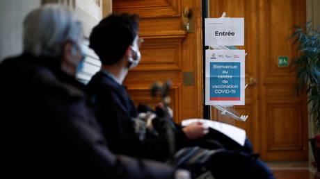 Paris hospital officials warn of tough months ahead, urge stronger measures to curb coronavirus