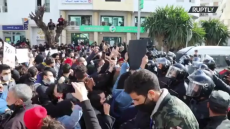 Protesters swarm streets of Tunisia over poverty, police brutality and a botched Covid-19 response (VIDEOS)