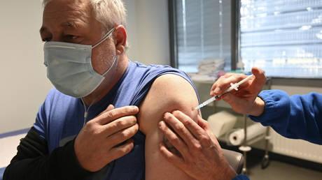 "280 ""neighbourhood ambassadors"" to promote vaccination in Toronto"