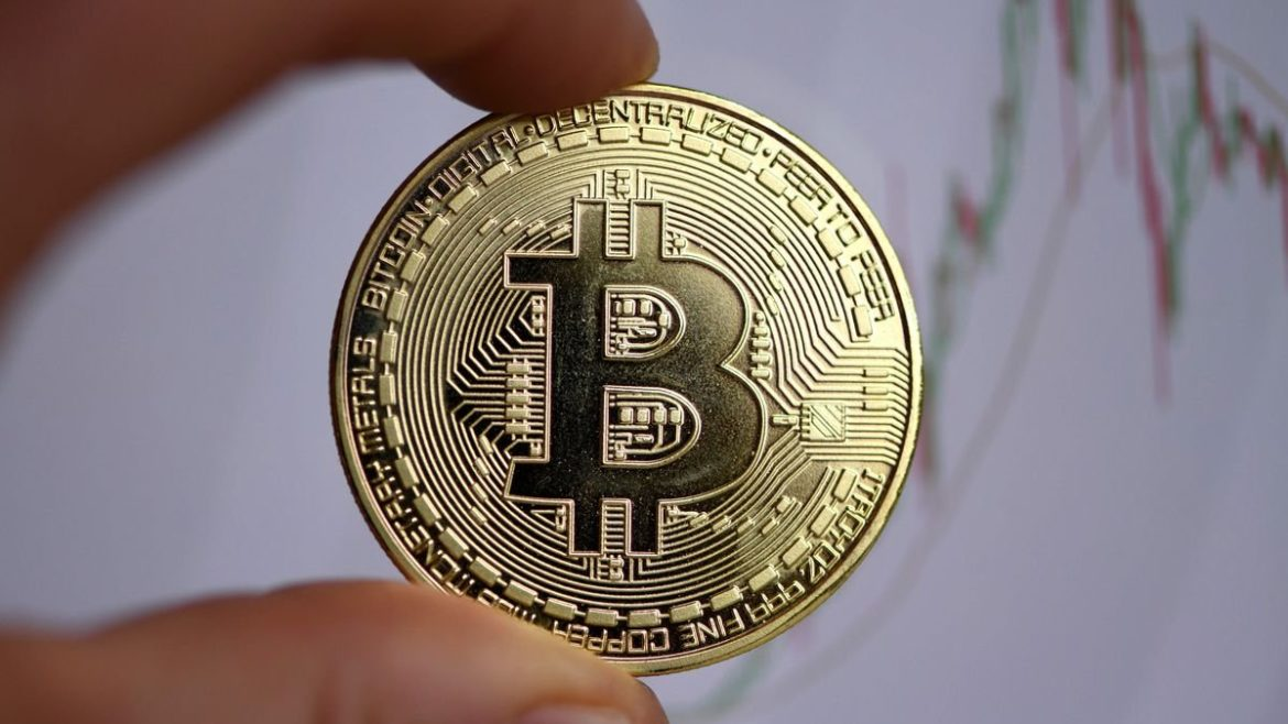 Tesla takes the Bitcoin cryptocurrency into the mainstream