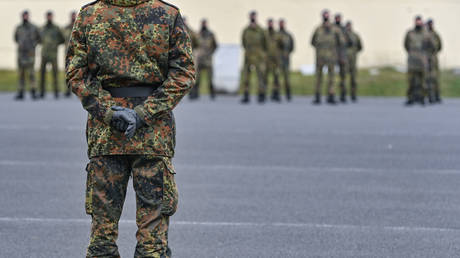 German soldier, relatives arrested over 'hoarding' weapons & ammo, and making 'extremist statements'