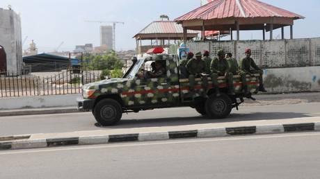 20 killed in Somali capital after suicide car bomb detonates outside restaurant