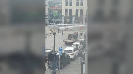 'Move in groups, loot stores': BLM protest over black woman's arrest descends into violence in Belgium (VIDEOS)