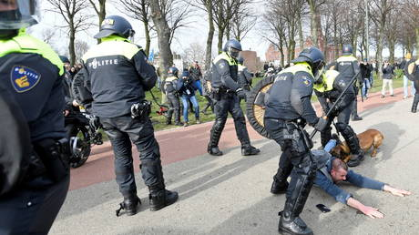 Police dogs, water cannons: Anti-lockdown protest meets heavy police response in The Hague