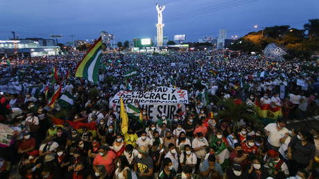 Tens of thousands protest arrest of Bolivia's ex-president Anez over role in 2019 coup (VIDEOS)