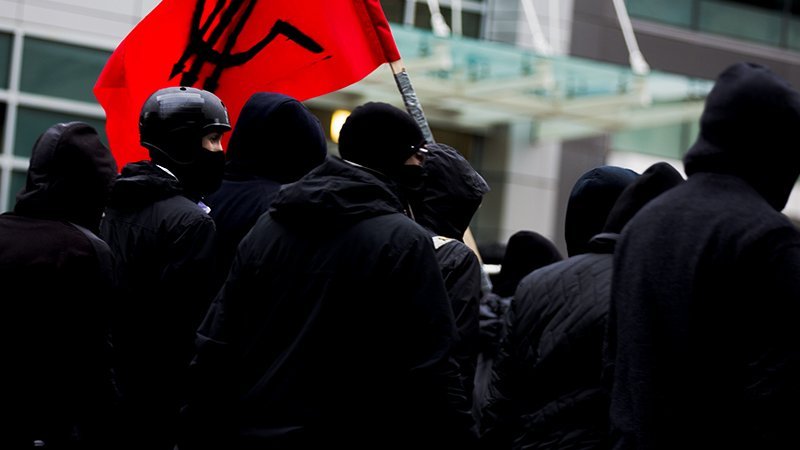 VIDEOS: Police arrest Antifa-aligned protesters in Toronto while executing a LEGAL eviction