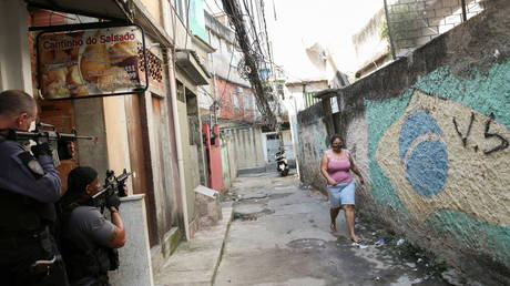 25 killed in Rio de Janeiro shoot-out as Brazilian police clash with drug cartel in favela (VIDEOS)