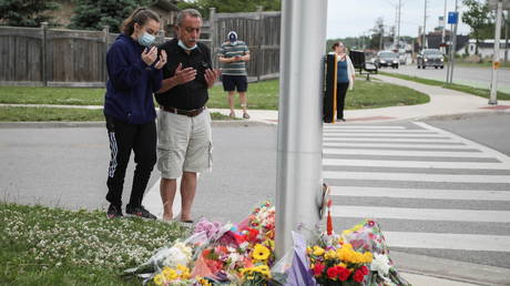 Father of man accused in anti-Muslim attack in London, Ont., calls it 'senseless act'