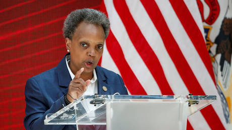 As Chicagoans keep getting shot, mayor Lightfoot doubles down on racist media policy of talking only to non-white reporters