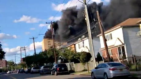 VIDEO: Several reported injured in massive blaze at NYC hospital, 100+ firefighters deployed to battle flames
