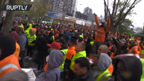 'F**k the jab!': CHAOS in Australia as construction workers violently protest vaccine mandate outside union HQ