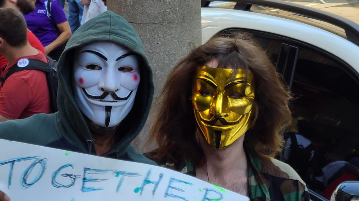 #Antivaxxers meet for misinformation packed rally in front of Toronto Police headquarters